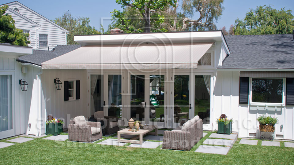 """When I have the awning out, I extend the livable portion of my house by an entire room. It is a beautiful place to sit. The awning itself is easy to work—I just push a button.""Trudi Cohen, Pacific Palisades"